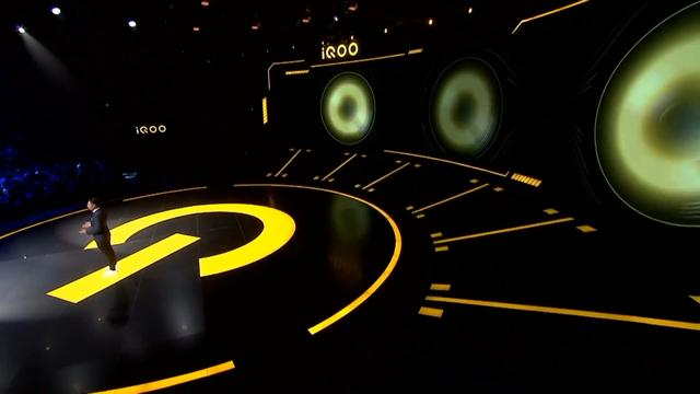 iQOO Pro 5G版上手评测,网友:这个5G速度我爱了