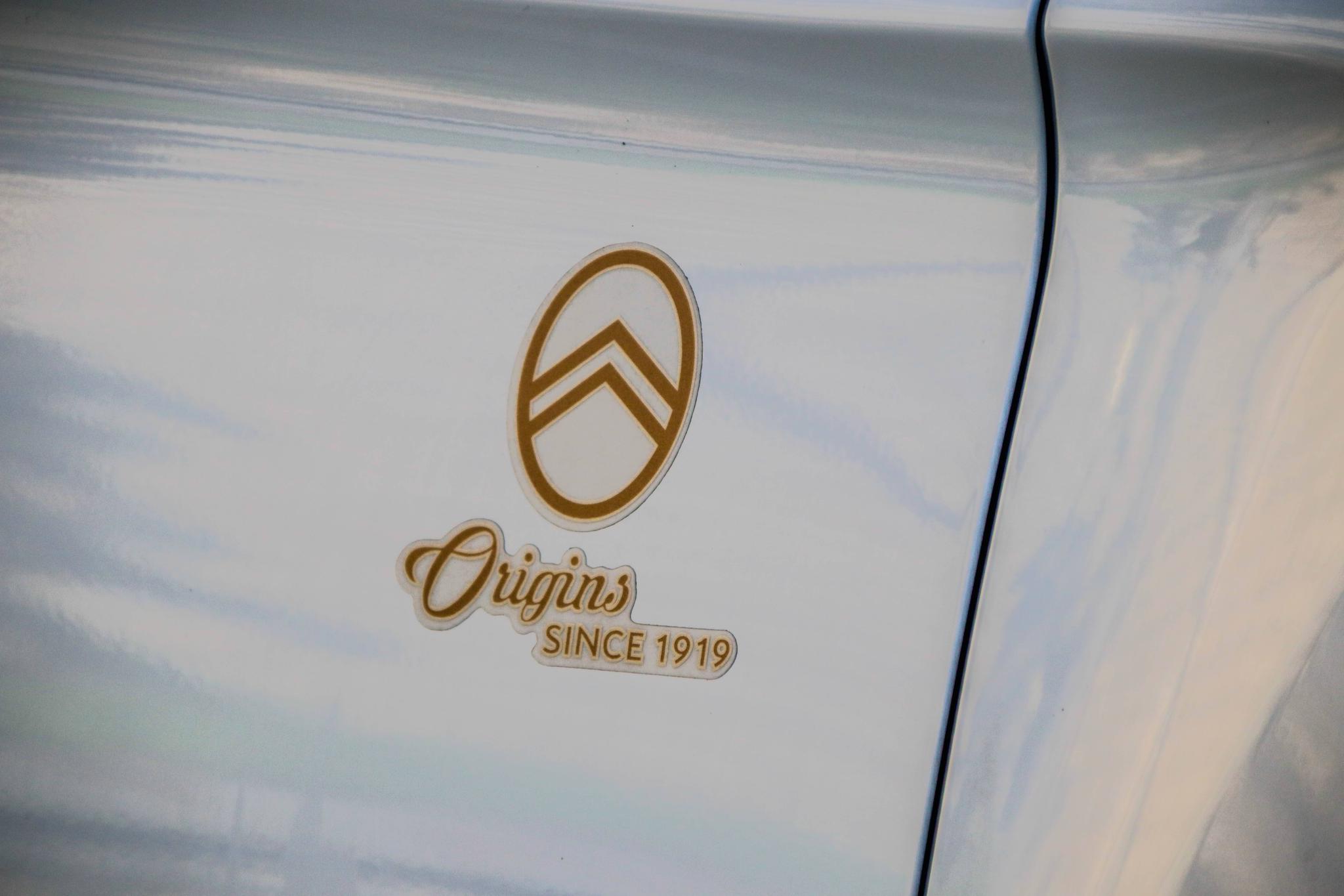 舒适与设计之外,雪铁龙C3-XR百年臻享版又增添了什么新亮点?