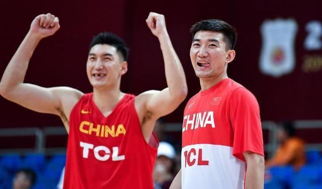 中国男篮一个射手也不带,李楠是咋想的?留下他算是遮羞布吧