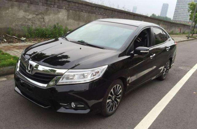 """被国人捧红的""""省油王"""",单月卖出12010台,油耗仅5L"""