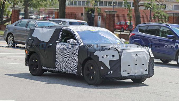 28万起,对标特斯拉Model Y,福特电动SUV谍照曝光
