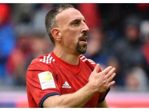 官宣!36岁法国巨星加盟佛罗伦萨,世界足坛欠他一座金球奖