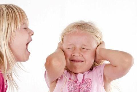 """孩子好面子,出丑难以释怀,父母应告诉孩子""""焦点效应"""""""