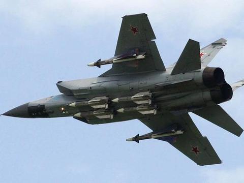 俄军死抱着米格31不放,全球仅此一款,设计很简单却能让美军无奈