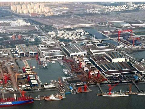 好消息,我国造船厂同时造8艘军舰,海军作战实力大增