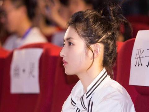 """央视选出新四大""""演技派""""花旦,关晓彤备受争议,她意外上榜"""