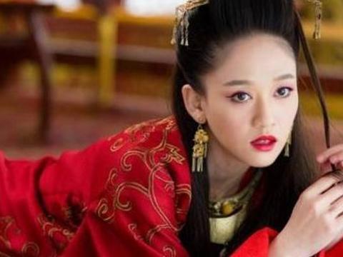 朱茵赵丽颖刘诗诗迪丽热巴李沁唐嫣,八位红衣古装女星造型谁最美