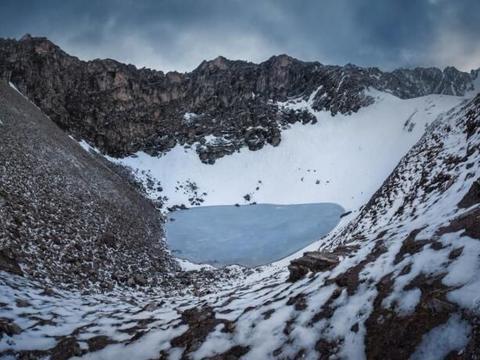"""喜马拉雅山""""人骨湖"""",死者相隔约1000年,部分竟来自地中海!"""