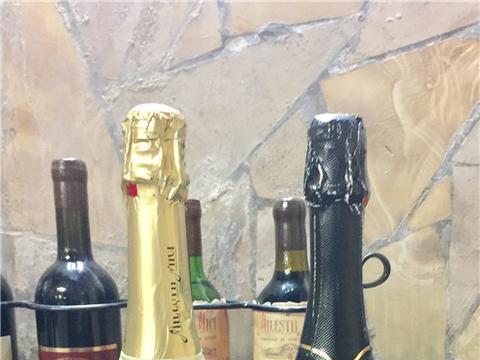 米茨Mici葡萄酒小课堂:橡木塞发霉了还能喝吗?