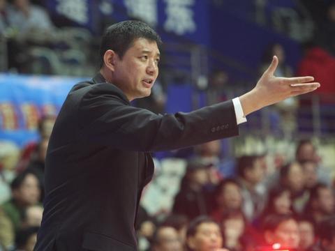 山东男篮阵容迎来巨变,引进多名强援,张庆鹏恐面临无球可打局面