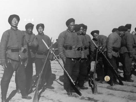 清末老照片:甲午战争中被日军俘虏的清军、镜头下吸大烟的瘾君子