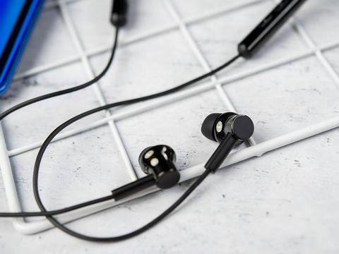 不单单是升级蓝牙这么简单 小米降噪项圈蓝牙耳机体验