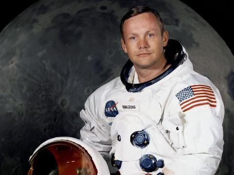 美国阿波罗号登月行动被人们怀疑真假,登月第一人曾遇到怪事
