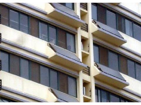太阳能热水器还能放阳台上?看完这种设计,真想回家重装