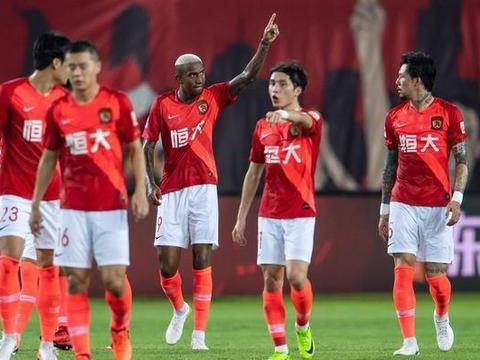 麻烦! 广州恒大备战亚冠收获不利, 球队又一大将恐赛季报销!