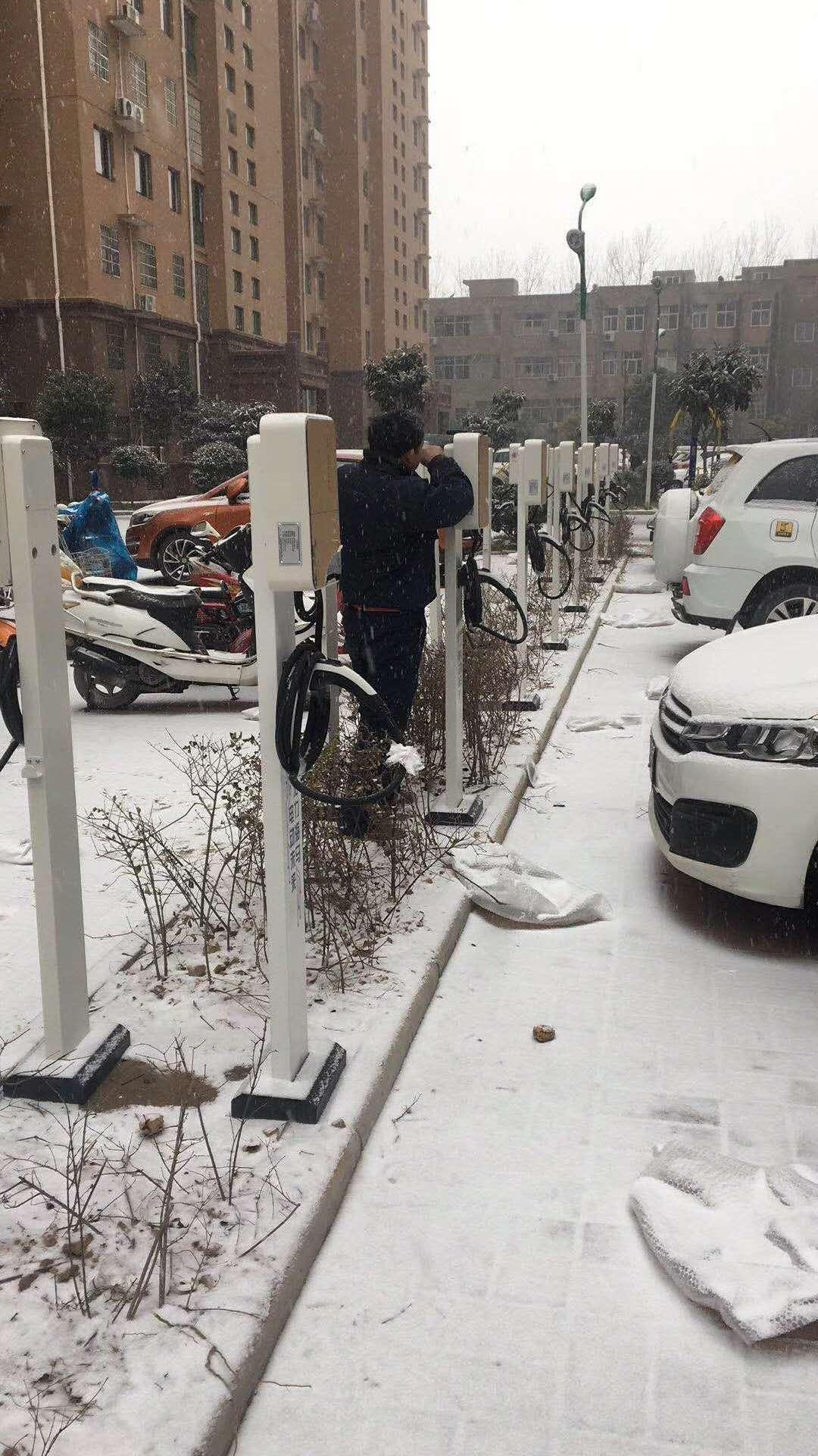 新能源汽车火爆来袭,充电桩问题如何解决?车友:看看海马新能源