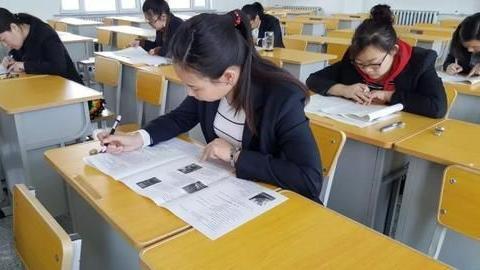 让老师和同学一起考试,最后公布成绩,能提高教师的教学质量吗