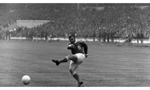 足坛历史总射手榜:C罗梅西新赛季冲击700球,贝利纪录即将不保