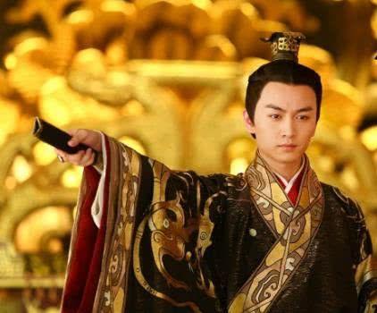 古装比现代装好看的男明星,陈晓、罗云熙上榜,图5为古装而生!