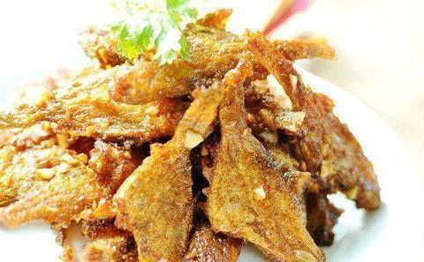 精选美食推荐:爆炒花椒鸡,五香酥鱼,香酥嫩牛卷的做法