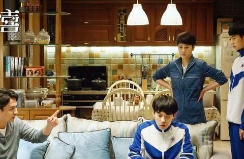 《小欢喜》:强势母亲把学霸英子逼到跳海