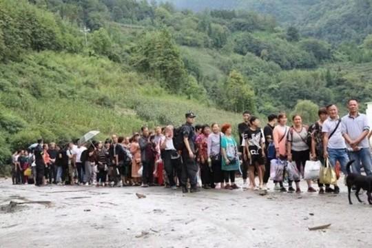 四川公安投入警力1200余人应对汶川泥石流灾情