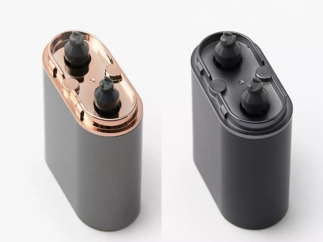 比AirPods耳机盒大不了多少的剃须刀,拿了15项专利,太强!