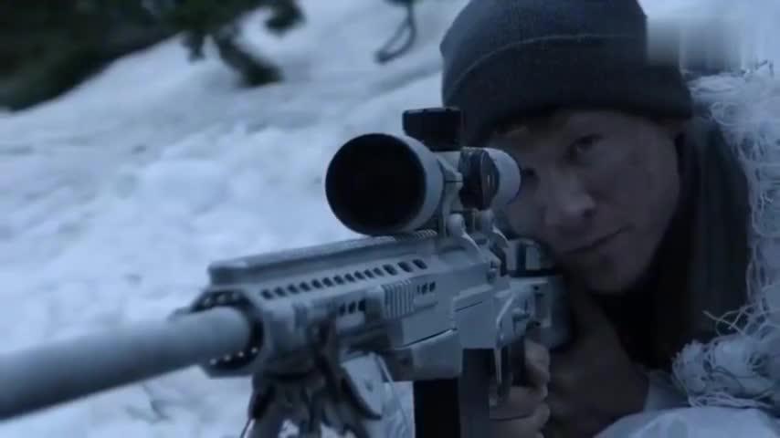 狙击手雪地作战,隐蔽效果更好,远程狙击枪枪毙命真的太震撼了
