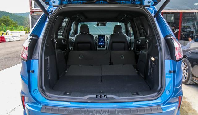 SUV刚上一王炸选手,标配8气囊,丐版245马力+8AT,还看汉兰达?