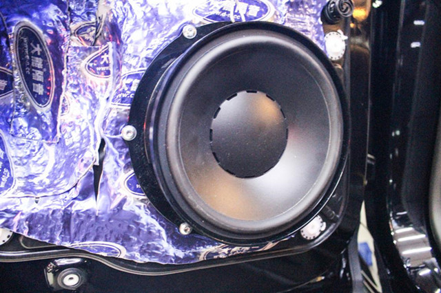 清晰到骨子内的音乐,来自丹拿V17汽车音响