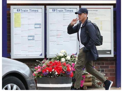 美国签证办完了,桑切斯已坐火车返回曼彻斯特