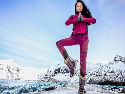 看着《功夫瑜伽》里成龙大哥的动作戏,我有点难受