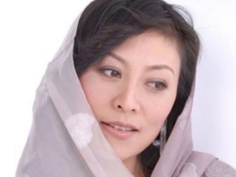 她曾比刘晓庆还红,生下女儿患癌遭老公抛弃,今成人生赢家!