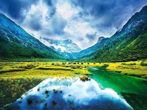 在中国自然美景中,除了香格里拉,还有一处被誉为最后的一片净土