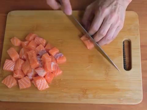 少吃肉、多吃鱼〡高蛋白、低脂肪〡三文鱼炒饭,就是这么简单