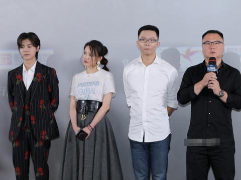 滕华涛指责鹿晗引众怒,四年前吴亦凡被骂,导演徐静蕾的做法太刚