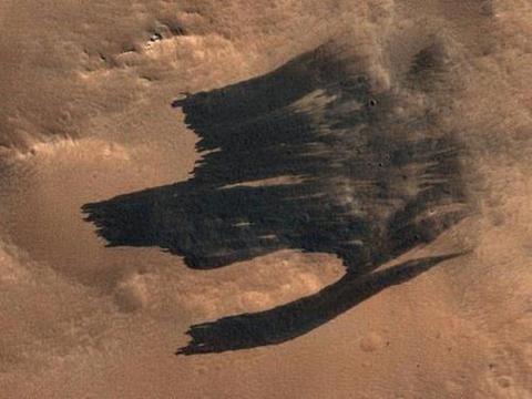 科学家发现火星表面的狼图腾印记,它是火星生命遗留的印记吗?