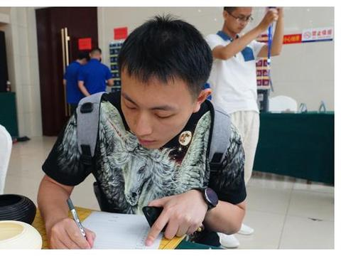 定段赛成年男子组5人定段;中韩日三国议员围棋交流活动