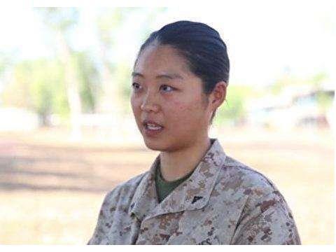 寡廉鲜耻:华人女孩美军服役7年,终获绿卡!以当美国人为骄傲
