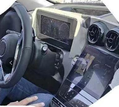 全新奔驰C级内饰曝光,采用无遮挡液晶仪表和大尺寸中控大屏