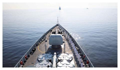 威武文明之师!中国海军西安舰,接受普京检阅