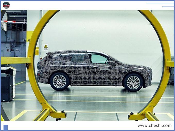 宝马新纯电SUV,除了曲面大屏、赛车方向盘,这些也值得看