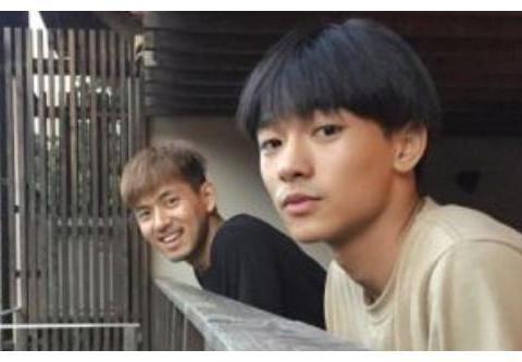 """张子枫新电影:男主竟是李现的好""""基友"""",获奖献出真正荧幕初吻"""