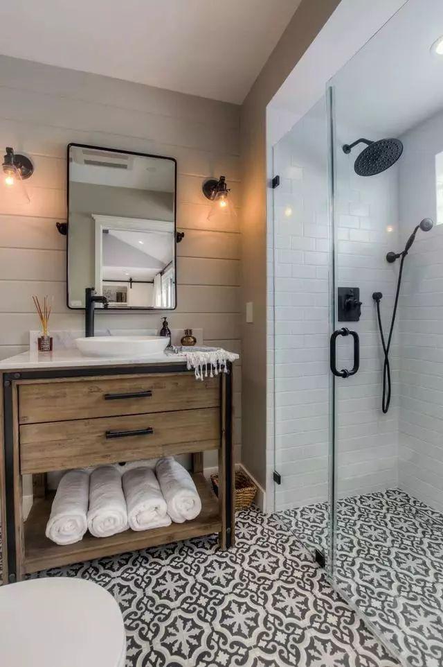 这些卫生间虽然很小,却很有格调!