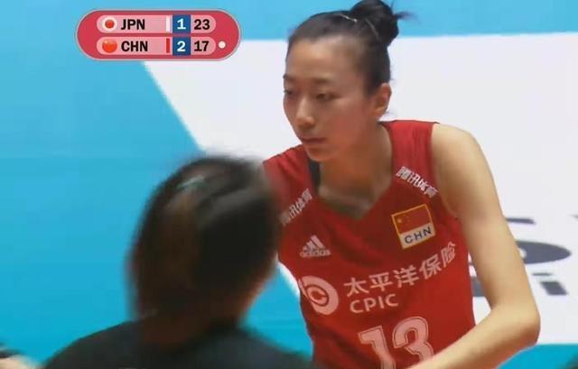刁琳宇意外受伤,孙燕临危受命,中国队3 - 2胜日本队,孙燕哭了