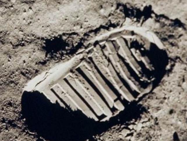 """美国登月是骗局,还是真实存在?三个""""铁证""""一一被解开"""
