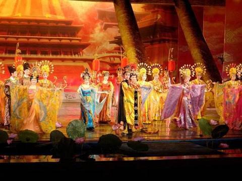 """喜欢表演艺术的皇帝李隆基,如何编导盛大的""""宫廷歌舞""""?"""