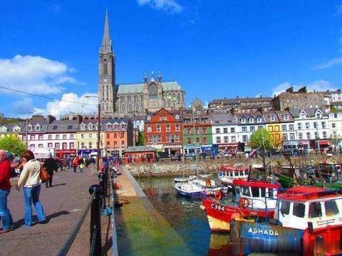 法国的这一小镇,人口不到一万,风景却极其优美,让人流连忘返