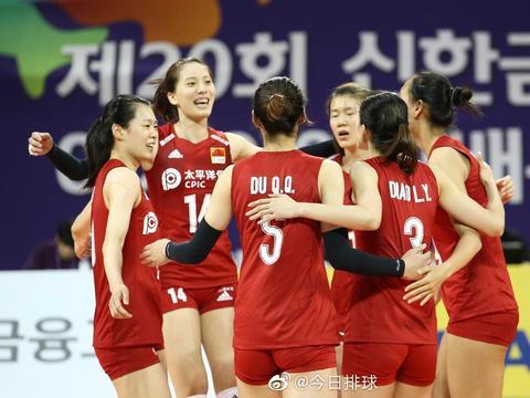 不易!中国女排二队3-2日本青年军 进四强战泰国
