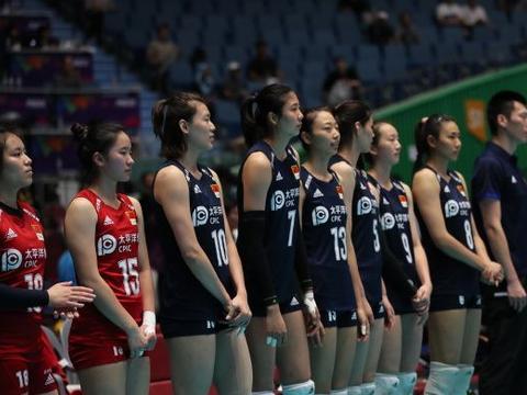 亚锦赛,包壮教练敢于打破自己,中国女排开局不久便调整阵容!
